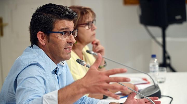 Jorge Rodríguez y Conxa García hablaron de los apoyos a desempleados