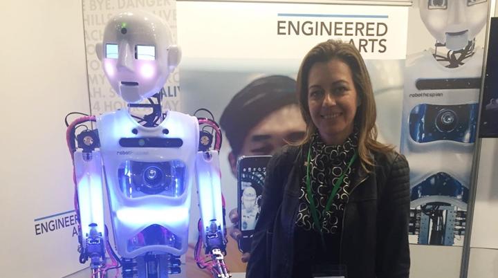Núria Campos, concejal de Infraestructuras, asistió a la Feria de Robótica