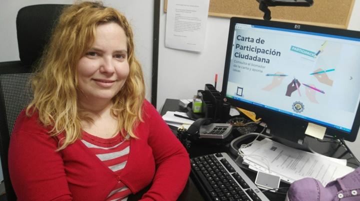Neus Herrero invita a vecinos de Paterna a dar ideas para modificar la Carta de Participación Ciudadana.