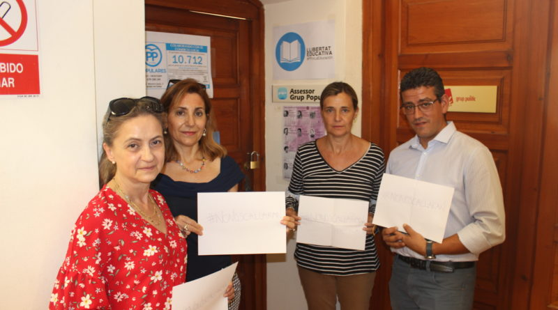 Elena Bastidas (PPCV) junto con los populares