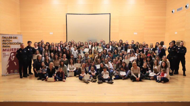 Vuelven los cursos de autodefensa para mujeres en el polideportivo de La Canyada