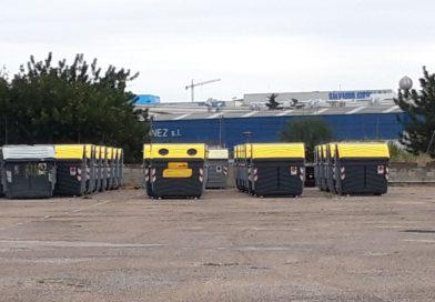 Compromís denuncia que hay contenedores sin utilizar en un solar municipal de Paterna
