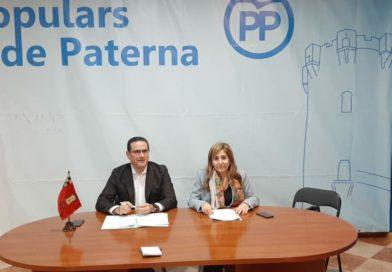 """Jorge Bellver visita Paterna y junto con la portavoz popular, María Villajos, ofrecen una postura sobre los presupuestos aprobados calificándola de """"despropósito"""""""